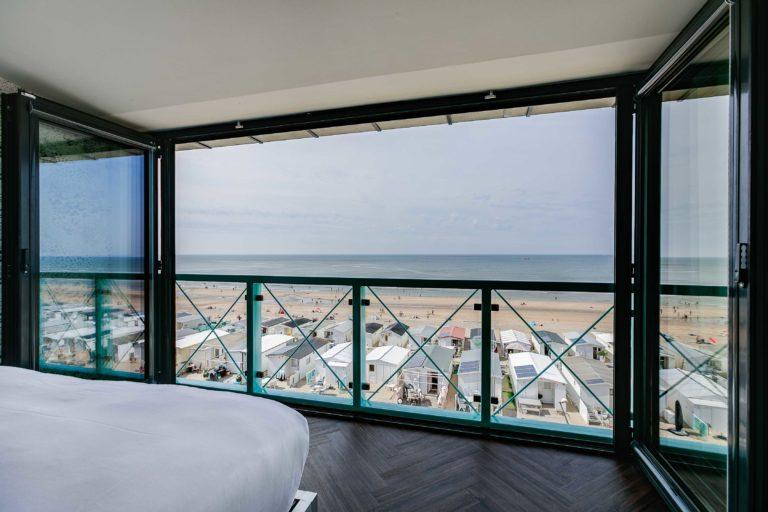 Uitzicht balkon superior zeezijde beachhouse hotel