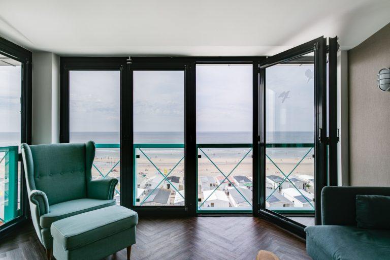 Uitzicht balkon junior suite zeezijde Beachhouse hotel