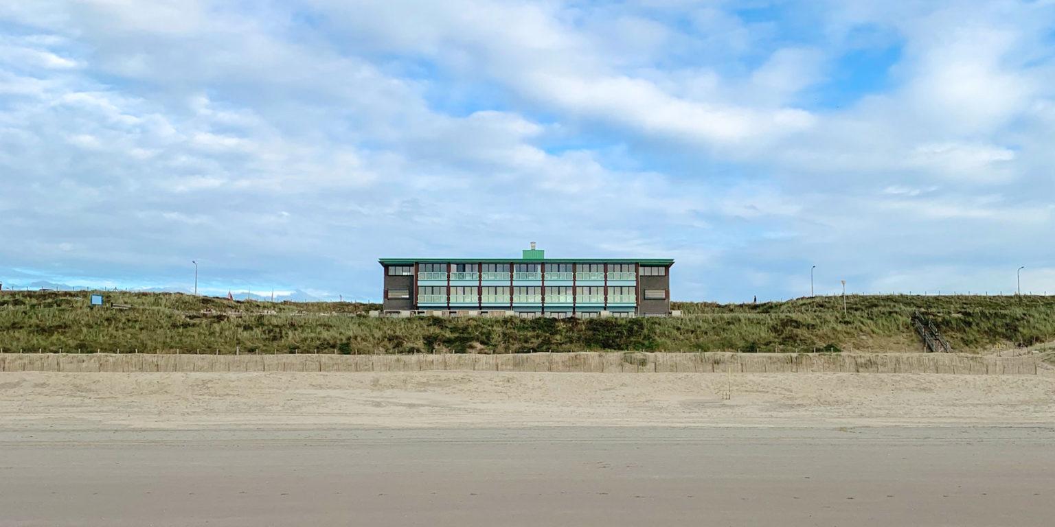 Beachhouse hotel vanaf het strand