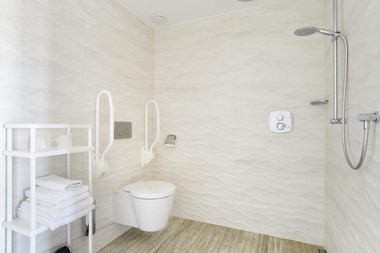 Badkamer superior zeezijde beachhouse hotel