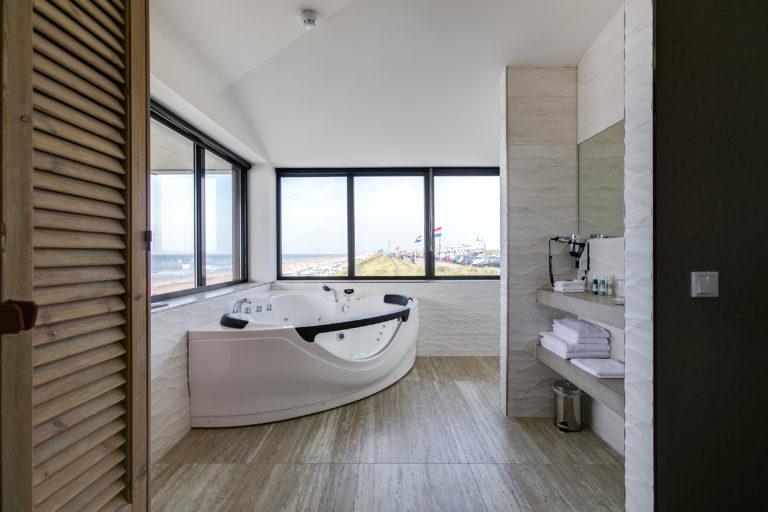 Badkamer Deluxe suite Beachhouse hotel