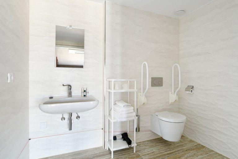 Badkamer superior zeezijde kamer Beachouse hotel